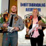 Viktor Samuelsson, íþróttakarl Akureyrar, og móðir Bryndísar Rún Hansen, íþróttakonu Akureyrar.